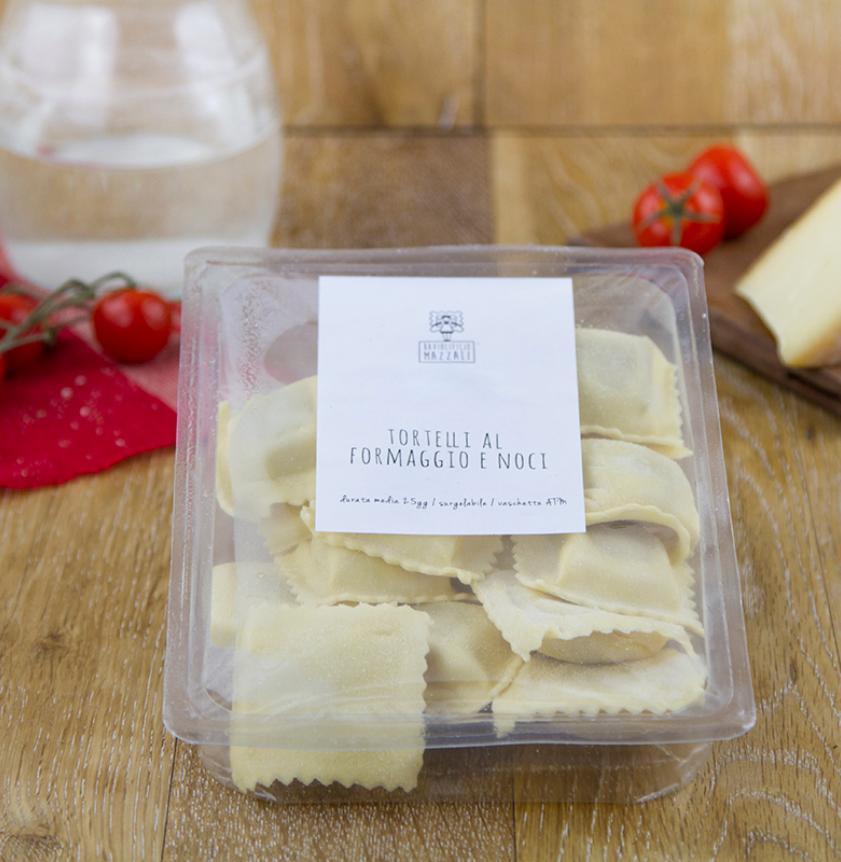 Ravioli freschi formaggio e noci