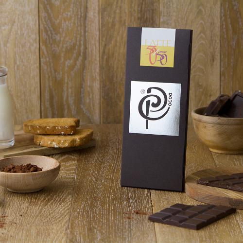 Cioccolato al latte con granella di cacao