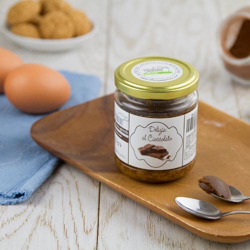 Delizia al cioccolato in vasocottura