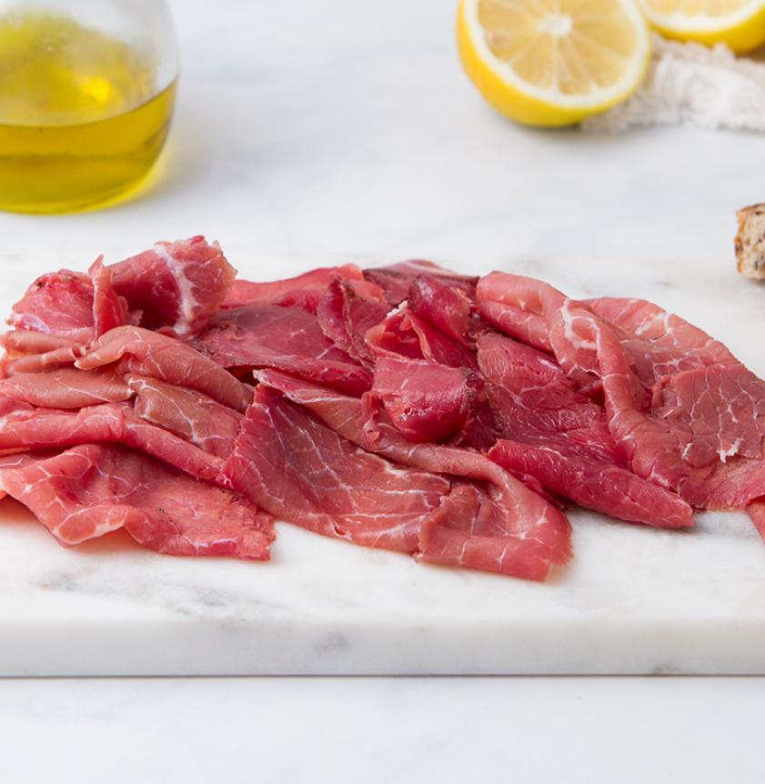 Carne salada trentina affettata