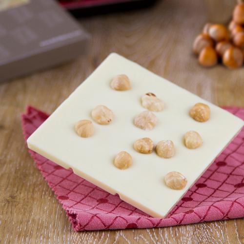 Tavoletta di cioccolato bianco con nocciola Piemonte I.G.P.